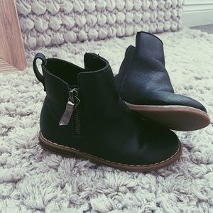 GAP ankle bootie!